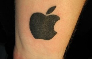 apple-logo-tattoo-e1345660648950